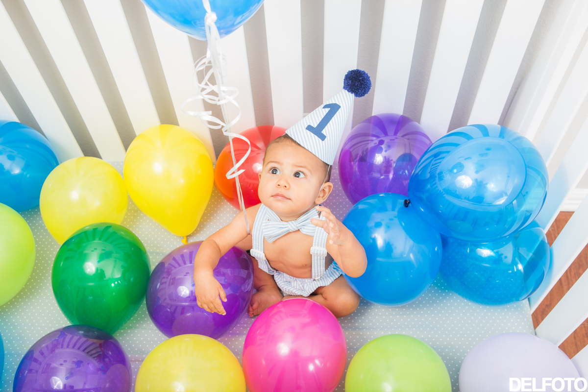 Austin Texas Portrait Photography Child Infant Baby Balloons crib 1 year old