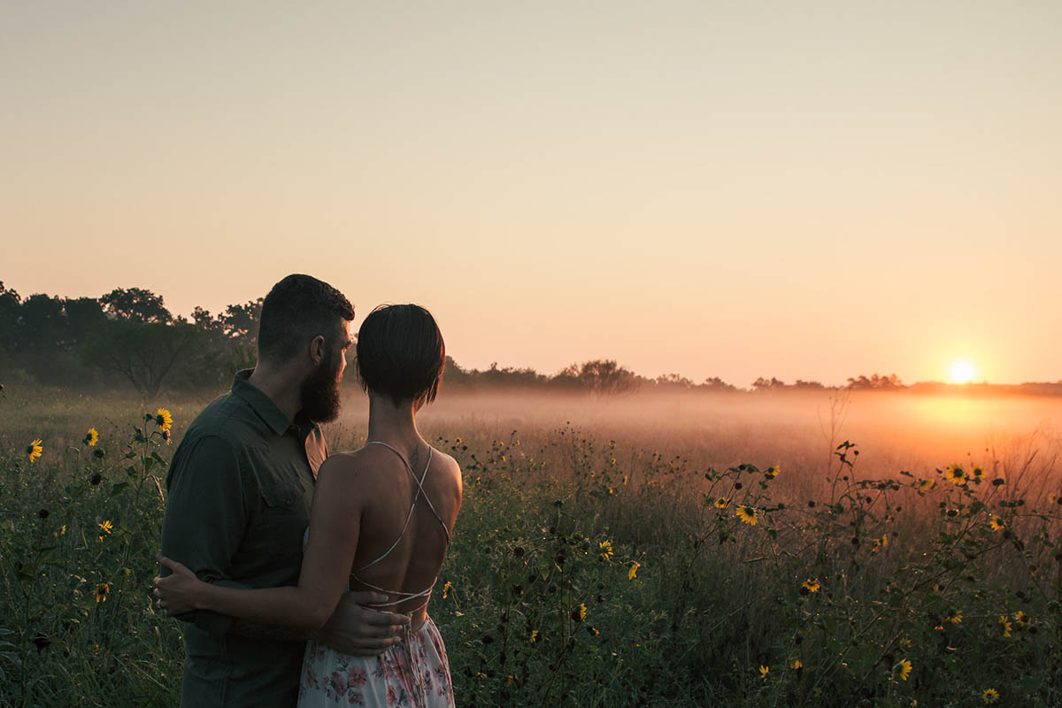 engaged couple foggy sunrise commons ford park engagement photography